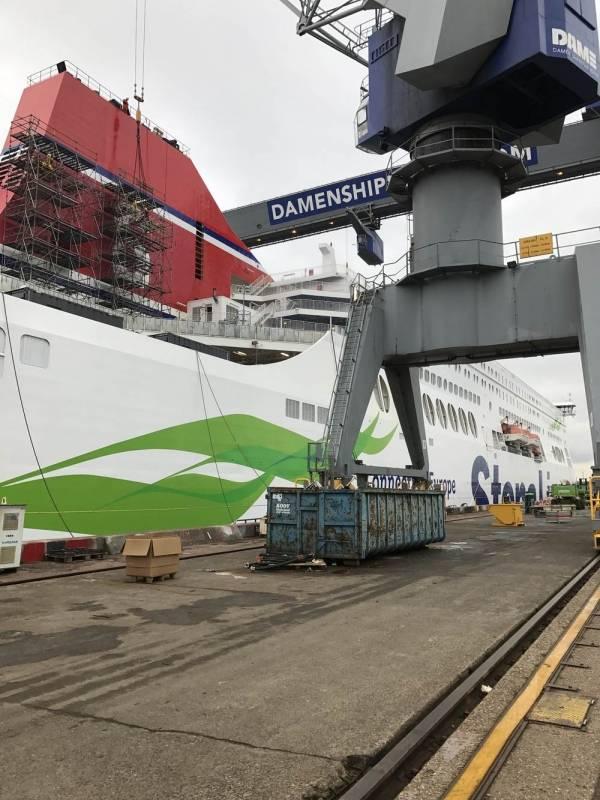 Ferry Stena Line in dok voor revisie warmtapwaterinstallatie